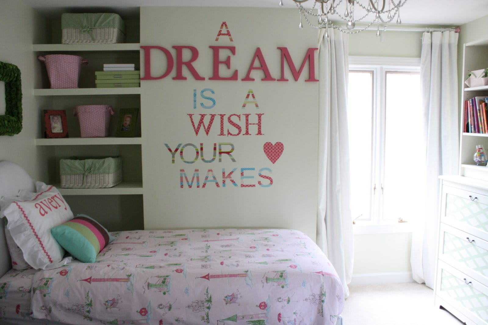 Beautiful tasteful diy shared girls 39 room designer trapped for Beautiful children s bedrooms
