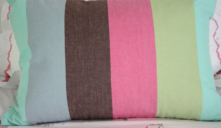 How To Make Your Own Pillows from DISH TOWELS {Part 1}