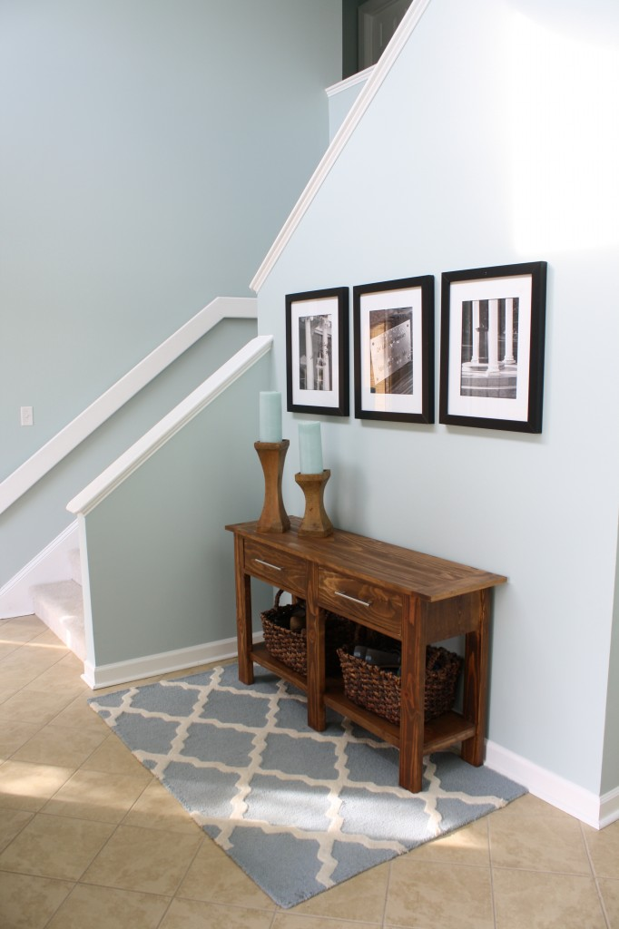 A stunning Herringbone Wall by Designer Trapped in a Lawyer's Body {www.designertrapped.com}