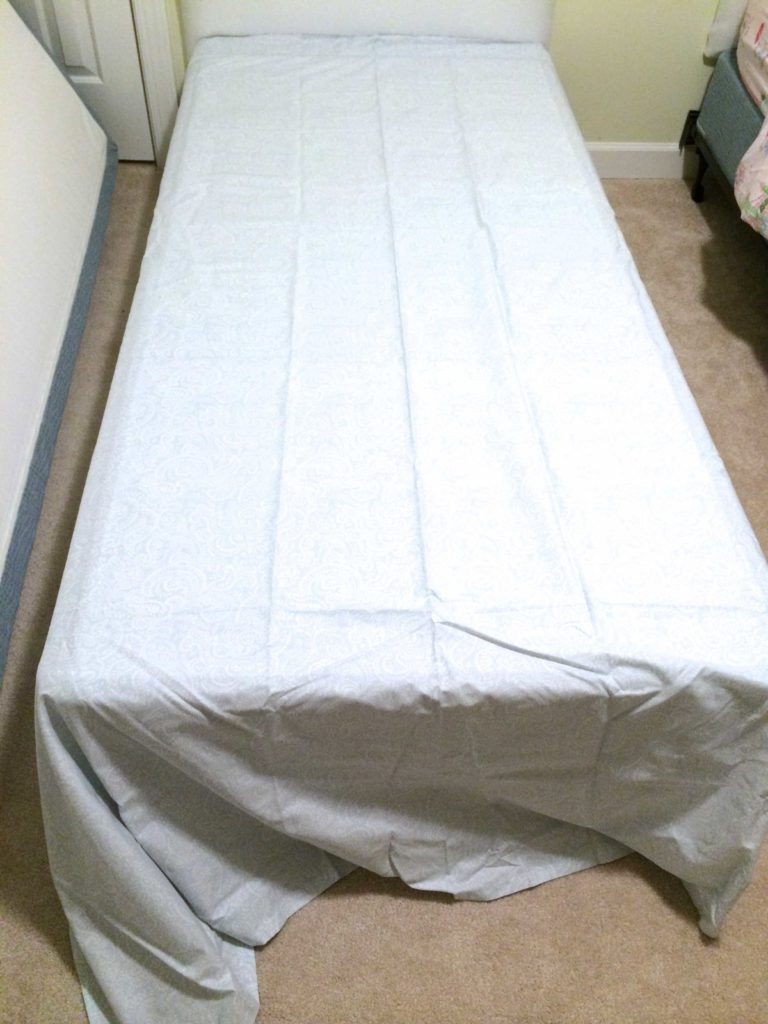Make a bed skirt with NO SEWING and NOT CUTTING! No-sew bedskirt tutorial by Designer Trapped in a Lawyer's Body {www.designertrapped.com}
