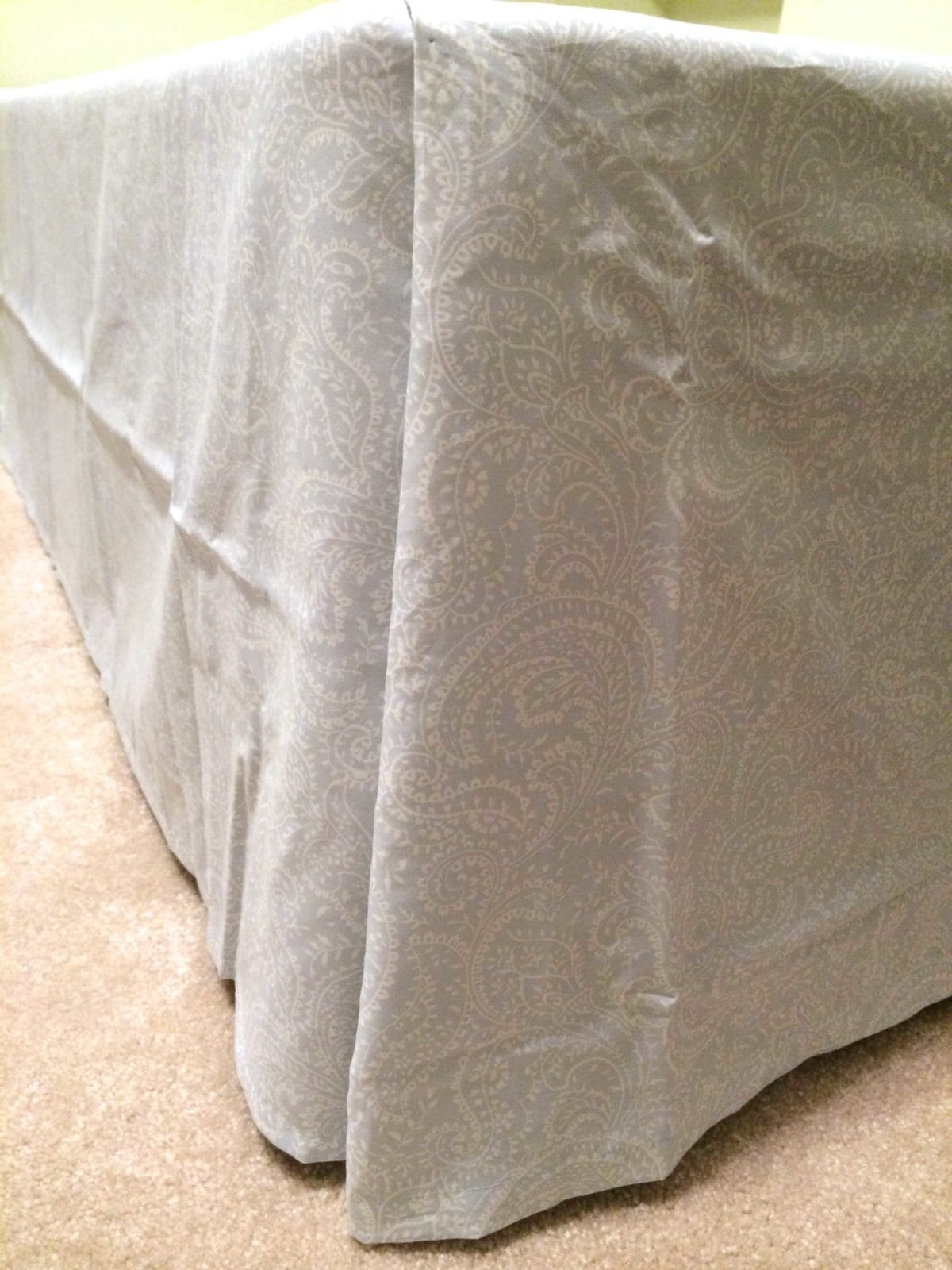 Amazing Make a bed skirt with NO SEWING and NOT CUTTING No sew bedskirt tutorial