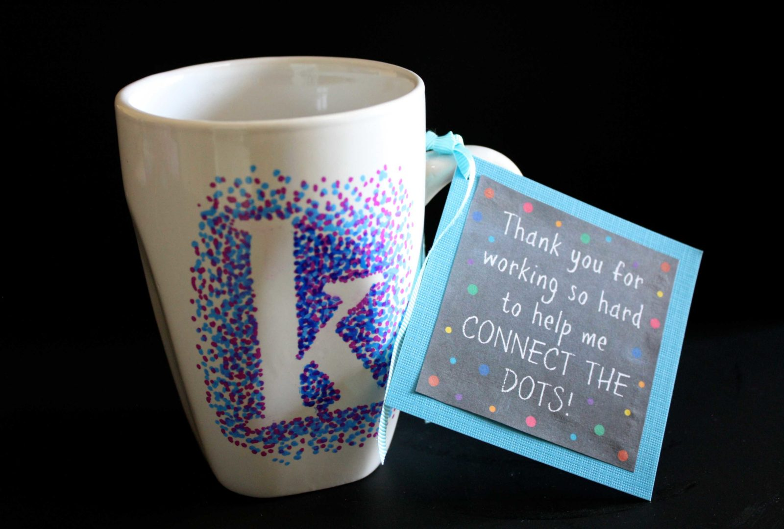 At a loss for what to give your kids' teachers to show your appreciation? This list is full of the best teacher gifts that they will love! Perfect gift ideas for teacher appreciation, teacher birthday gifts and holiday teacher gifts!