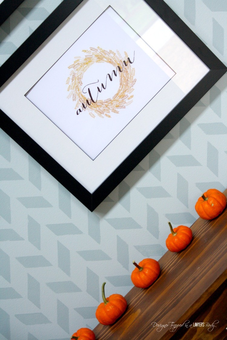Beautiful, contemporary fall home tour by Designer Trapped in a Lawyer's Body! #falldecor #fallhometour