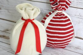 How to Make Sweater Ornaments for $2.00 in 2 Minutes!