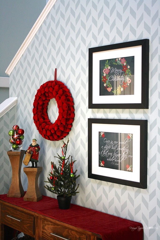 BEAUTIFUL CHRISTMAS HOME TOUR! This contemporary home is festive, simple and beautiful for Christmas. Check out the full tour at Designer Trapped in a Lawyer's Body. Christmas Home Tour 2015.