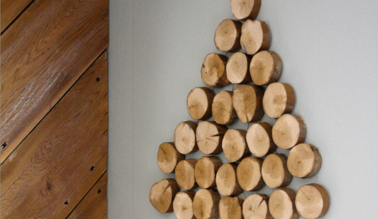 DIY Wood Slice Christmas Tree