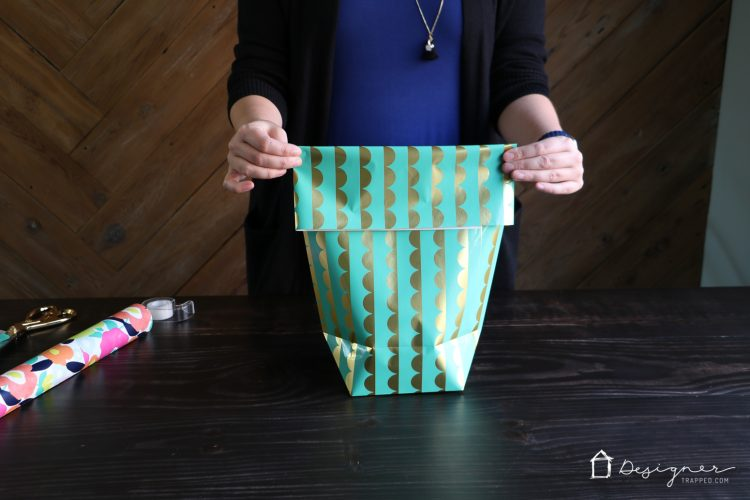 How to Make a Gift Bag from Wrapping Paper | Designertrapped.com