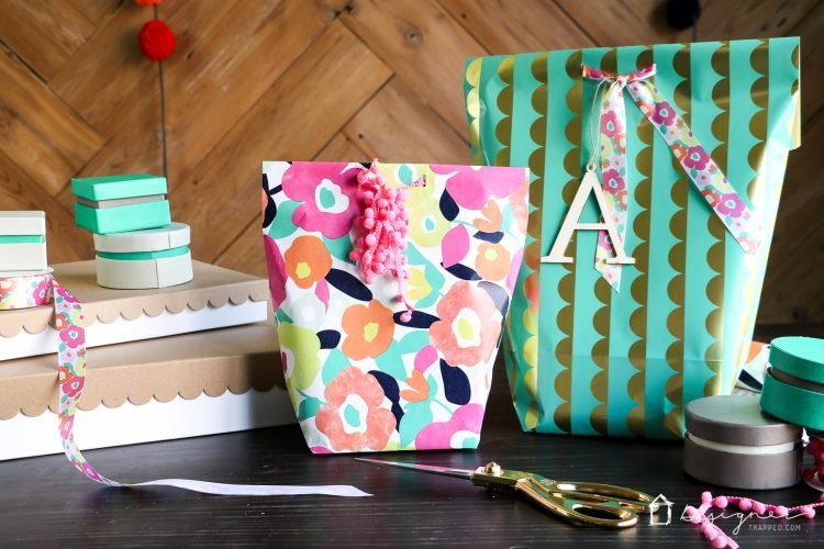 how to make a gift bag from wrapping paper. Black Bedroom Furniture Sets. Home Design Ideas