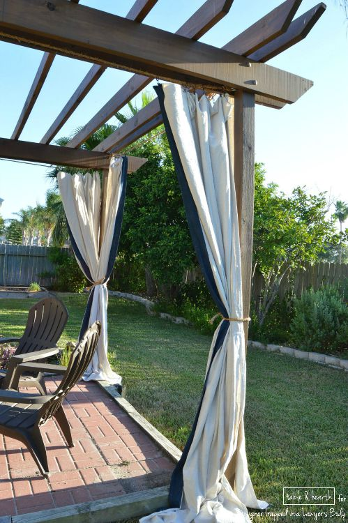 Make these gorgeous DIY, no-sew outdoor curtains without spending a ton - No-Sew Outdoor Curtains Designer Trapped In A Lawyer's Body