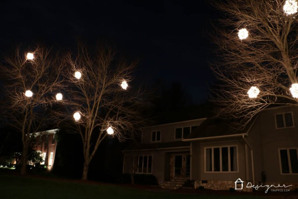 WOW, WOW, WOW! Come learn how to make lighted Christmas balls with this tutorial from Designer Trapped in a Lawyer's Body. They are a magical addition to your Christmas decorations!