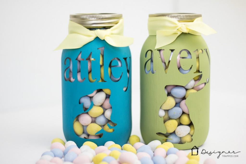 Diy personalized mason jar tutorial designer trapped in a omg how cute is this personalized mason jar project and it looks so negle Images