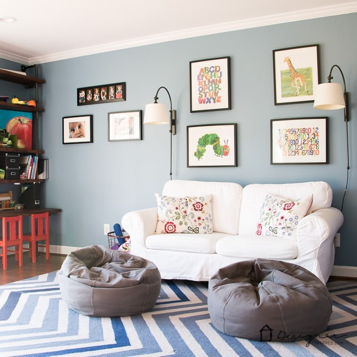 A kids' playroom doesn't have to be overly cutesy. Love the playroom decor ideas this blogger used!
