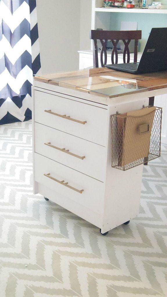 pinnable-rast-desk-683x1024