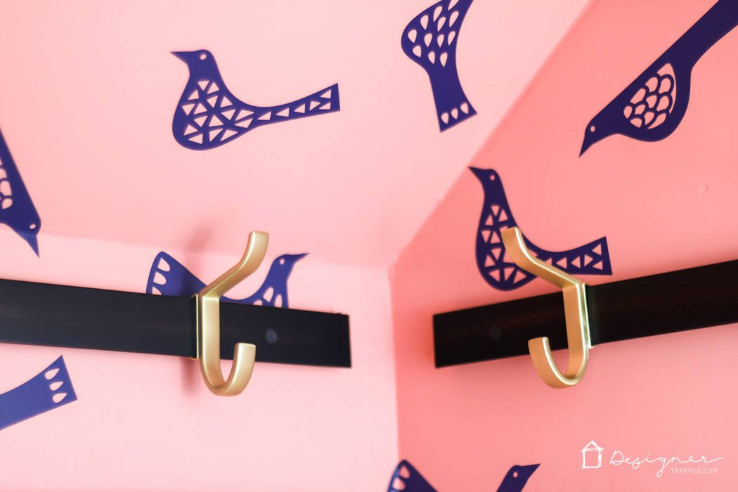 THIS IS GENIUS! Learn how to make DIY wallpaper that is removable and affordable! Come up with your own color palette and design. The options for this DIY wallpaper are endless!