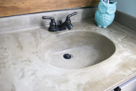DIY Vanity Makeover : Concrete Overlay