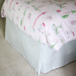 Learn how to make a no-sew bed skirt with these easy tutorial!