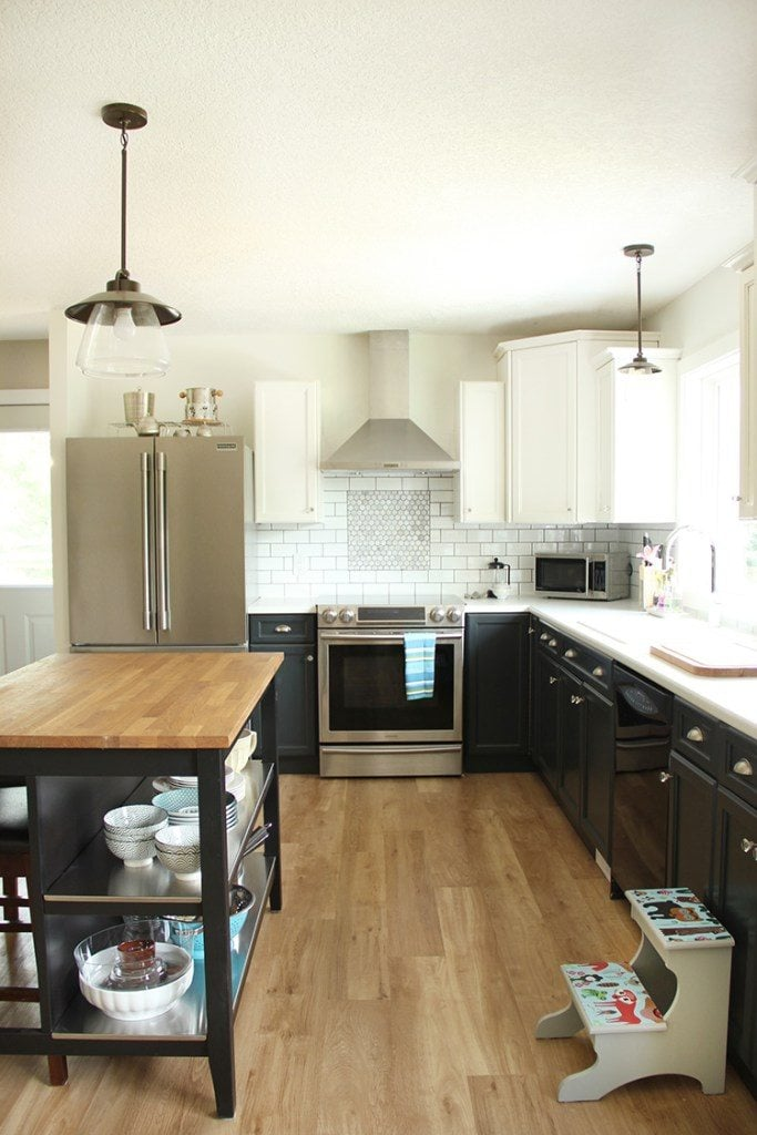 You don't have to totally renovate your kitchen to create a space you love. These DIY kitchen renovation ideas are AMAZING and there is at least one idea for every budget. It includes DIY kitchen cabinets and other kitchen makeover ideas that will show you how to totally update your kitchen on a budget. Best DIY kitchen ideas I have seen!