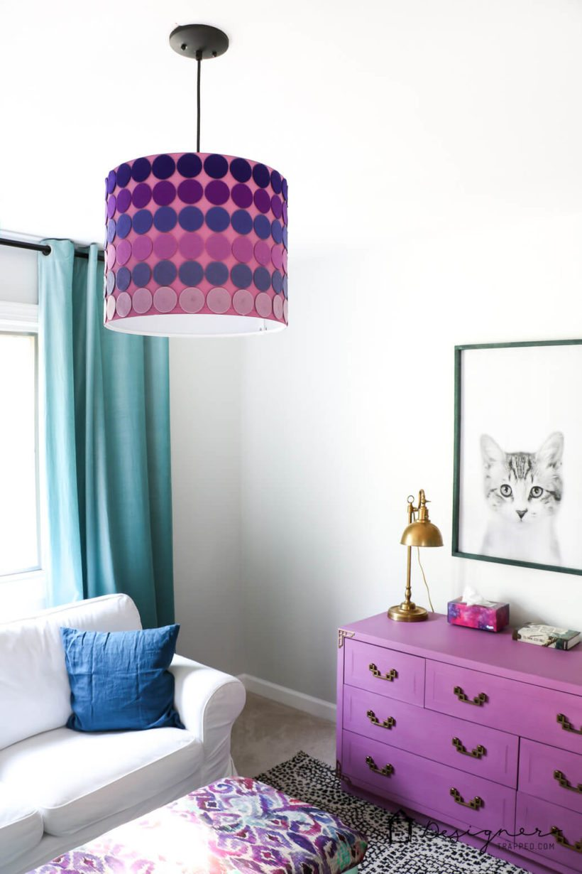 When you can't find the perfect lampshade for your decor, make one yourself! This easy DIY lampshade could be made with any shapes or colors.