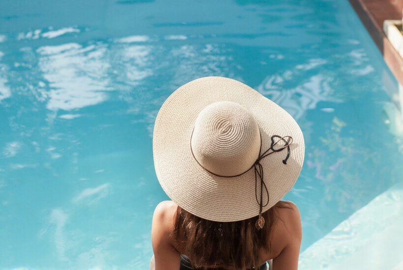 Pool Bag Essentials- Everything You Need to Enjoy the Pool This Summer